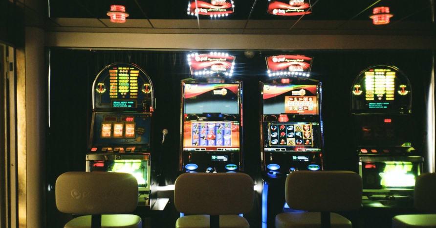 Automaty na żywo online: dlaczego są przyszłością hazardu online