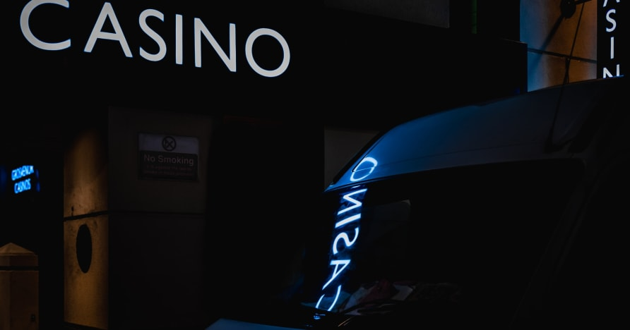 Kasyno online vs. Prawdziwe kasyno | Powody, dla których warto grać online