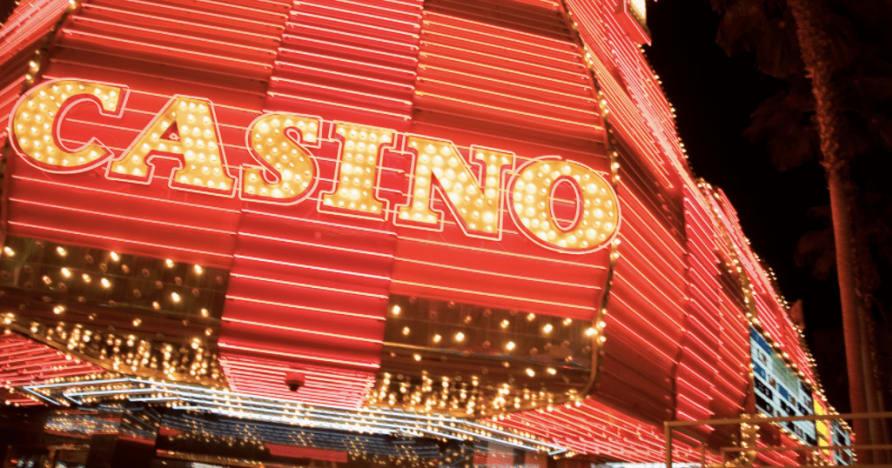 Chcesz zostać krupierem w kasynie na żywo? Najważniejsze rzeczy, które warto wiedzieć