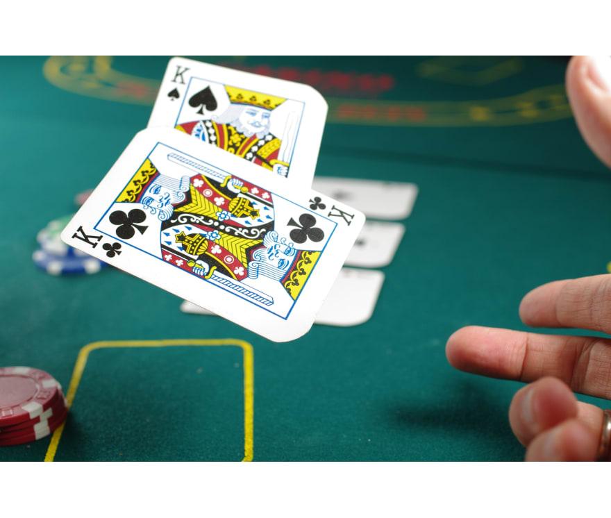 Zagraj w Three Card Poker na żywo